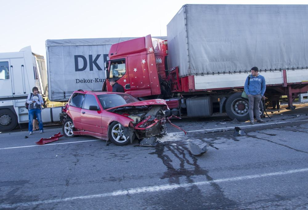 Are truck accident lawyers different from car accident lawyers?