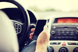 How Distracted driving can affect insurance